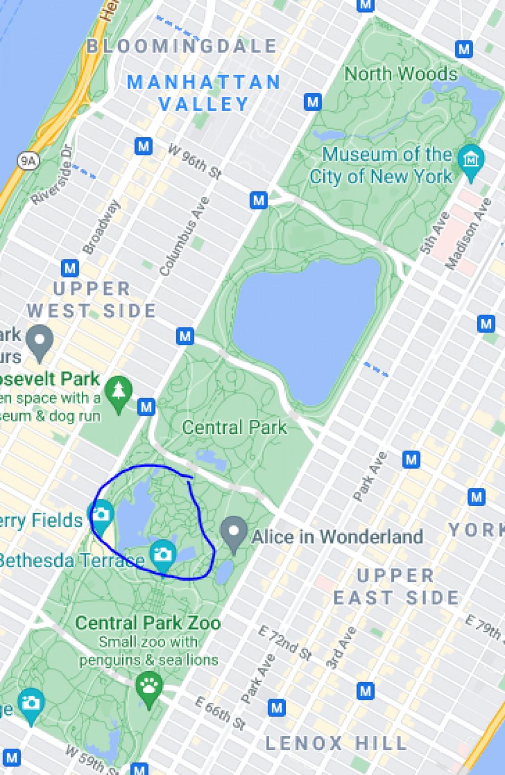 中央公园里可以划船的湖